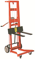 Four Wheel Hand Winch Fork Lift Truck with Forks
