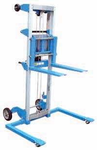 Hand Winch Lift Truck with Wide Strattle Outrigger Legs